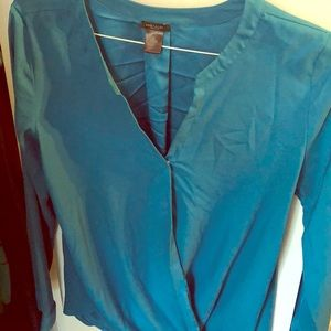 Super chic Ann Taylor blouse